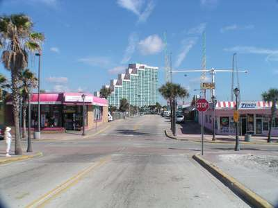 Pictures from daytona beach florida beach boardwalk and for Tattoo shops daytona beach